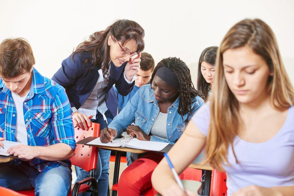 Enseignant.e Maths Physiques Anglais Français Histoire géographie
